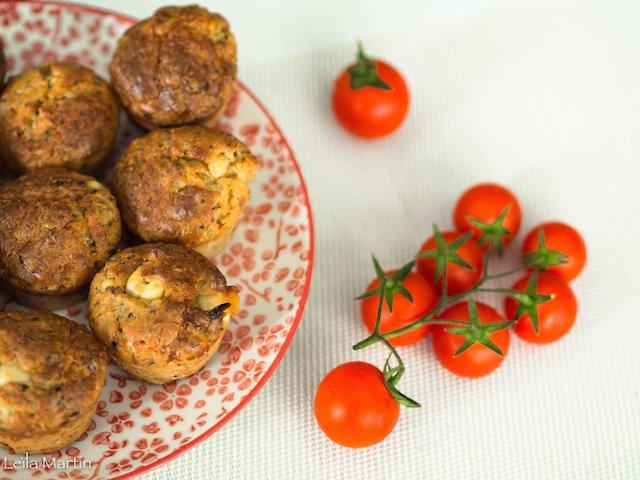 des petits cakes à la tomates confites et au munster blanc d'Alsace