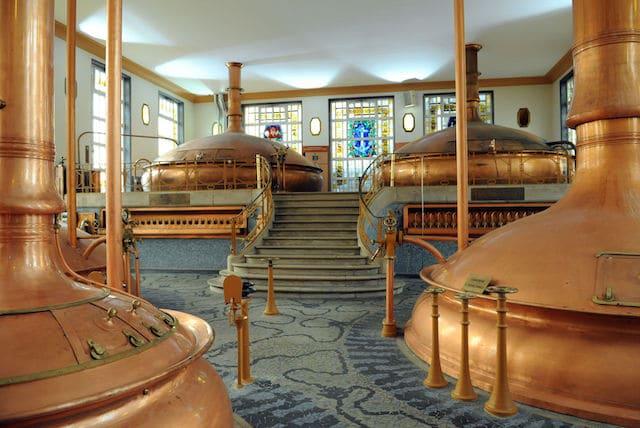 image de la salle à brasser de la brasserie Heineken