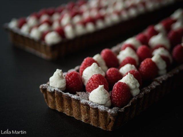 recette de Linzrtorte ultra-gourmande avec de la chantilly et des framboises fraîches